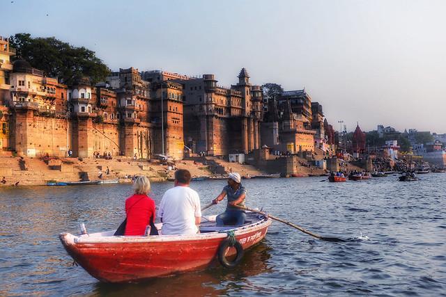 water-watercraft-boat-travel-river 图片素材