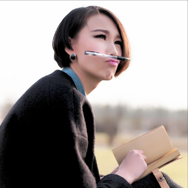woman-intelligence-college-pretty-adolescent 图片素材