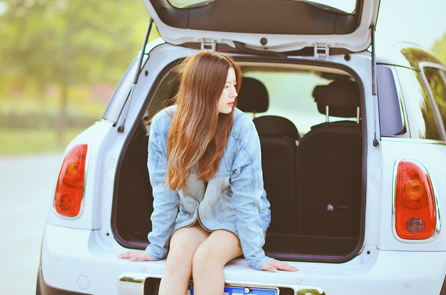 car-trip-(journey)-woman-transportation-system-vehicle picture material