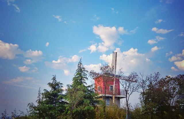 sky-no-person-architecture-cloud-house 图片素材