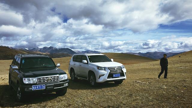 vehicle-car-motor-vehicle-land-vehicle-landscape picture material