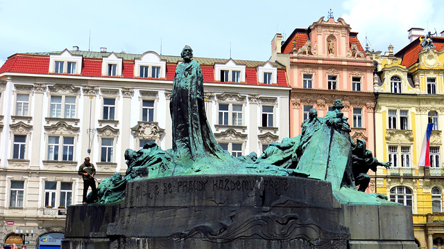 architecture-statue-city-sculpture-building picture material