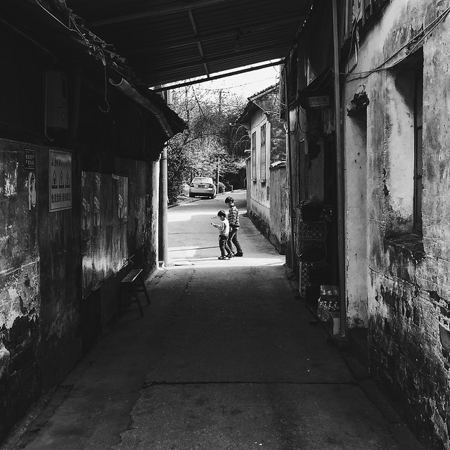street-abandoned-alley-monochrome-people picture material