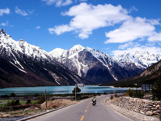 mountain-snow-travel-road-mountainous-landforms 图片素材