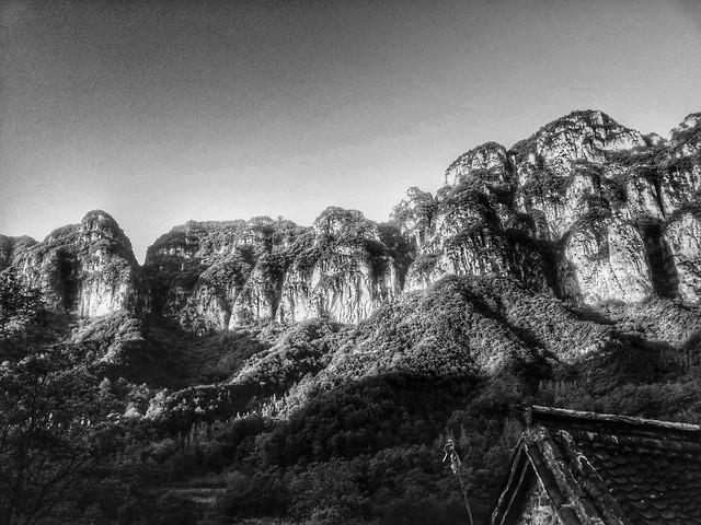 mountain-landscape-monochrome-sky-rock picture material