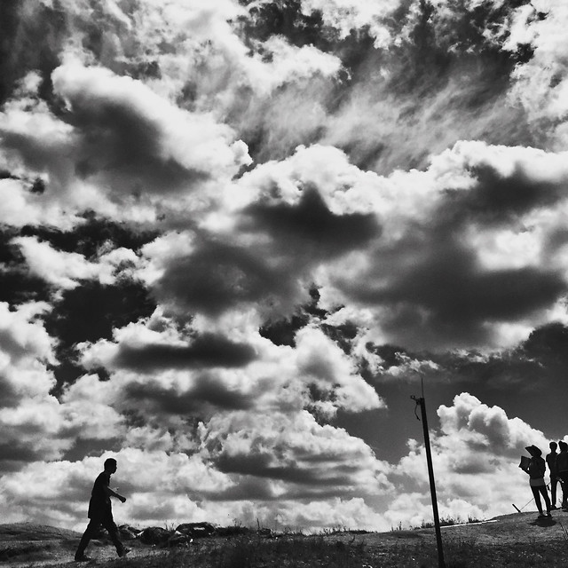 people-sunset-monochrome-sky-cloud picture material