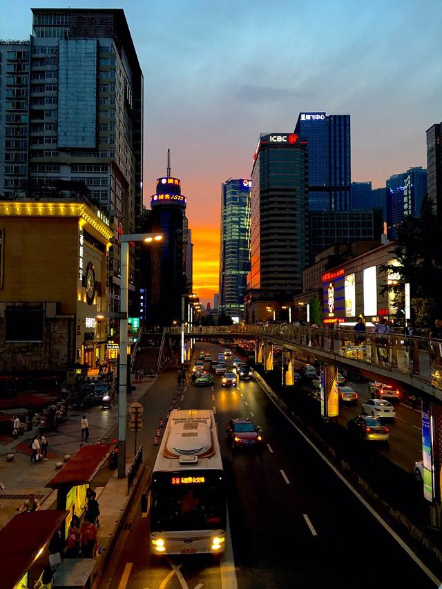 city-transportation-system-road-traffic-metropolitan-area 图片素材
