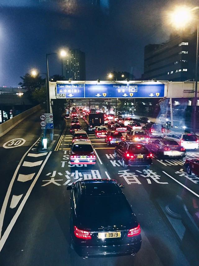 car-transportation-system-road-traffic-fast 图片素材