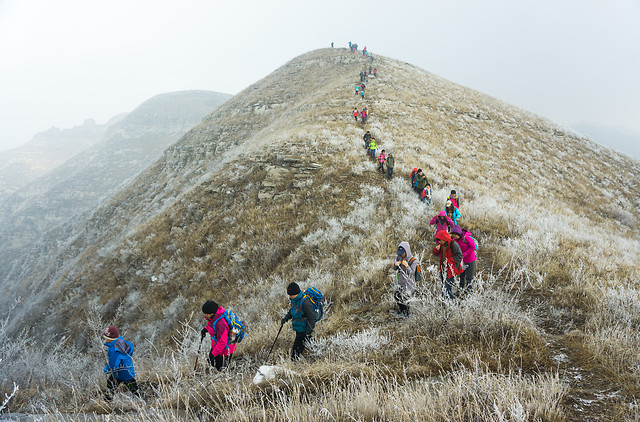 adventure-travel-people-mountainous-landforms-ridge picture material