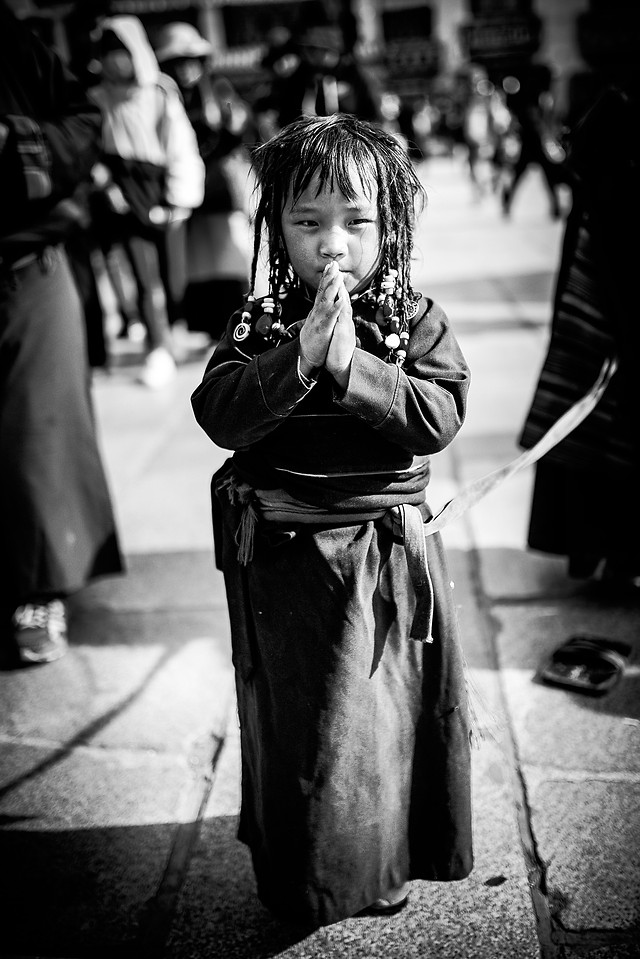 people-street-monochrome-white-black picture material