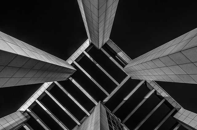 building-structure-photography-upward-shot-black-and-white picture material