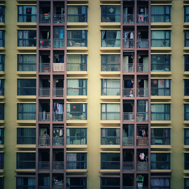 apartment-window-architecture-glass-items-building 图片素材