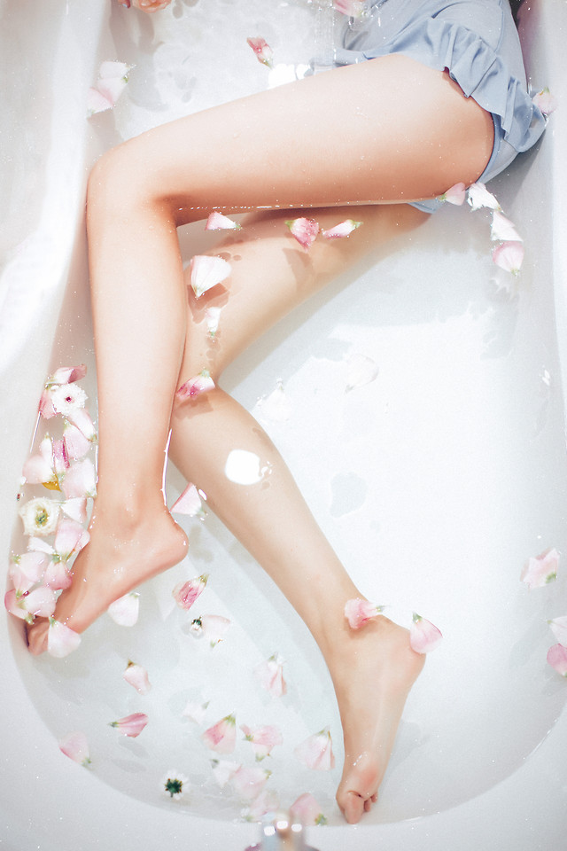 woman-relaxation-skin-girl-foot picture material