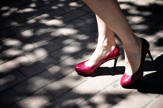 foot-shoe-street-woman-girl picture material