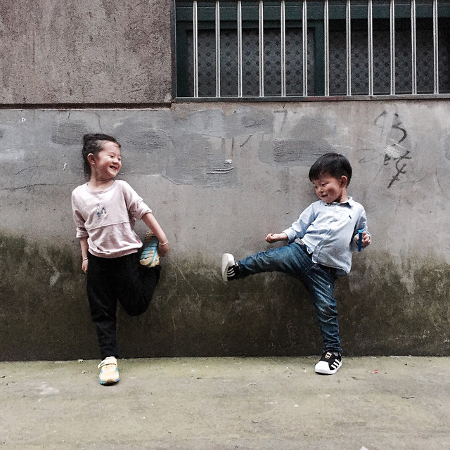 child-boy-people-school-two 图片素材