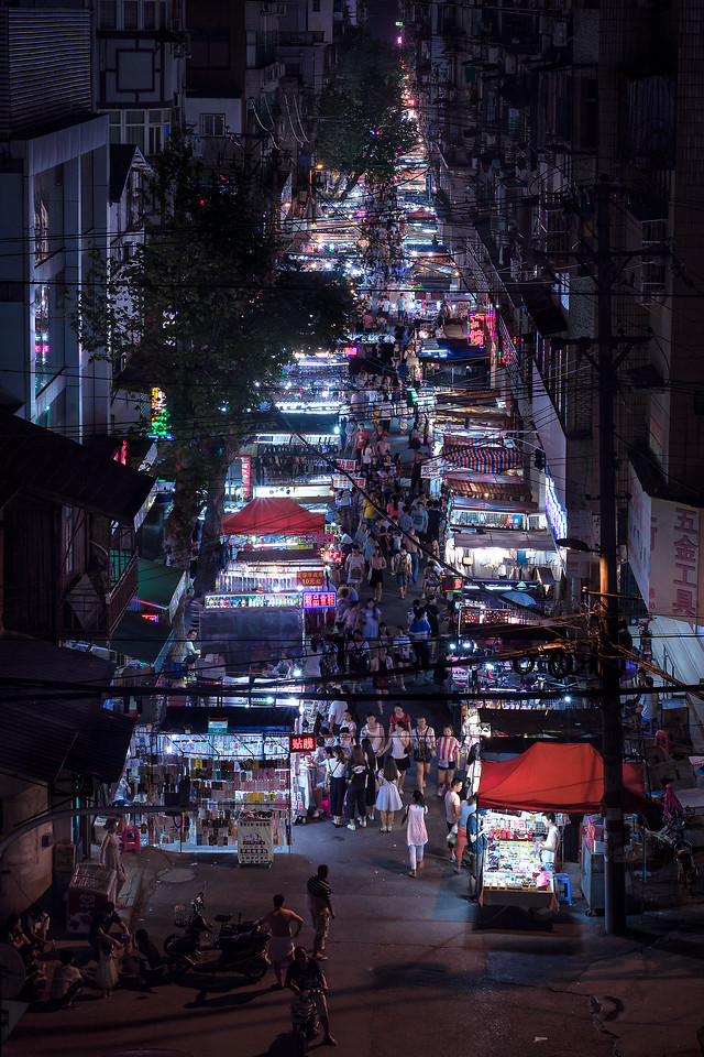 street-city-people-road-market 图片素材