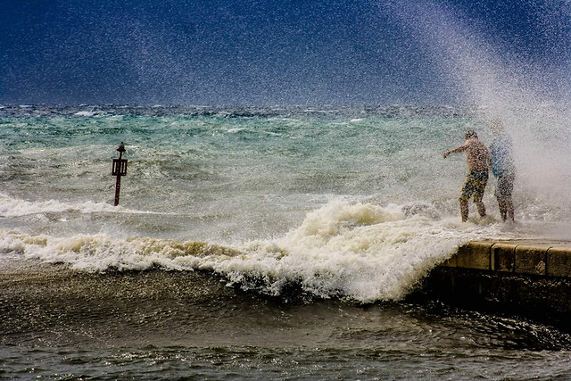water-spray-action-beach-sea picture material
