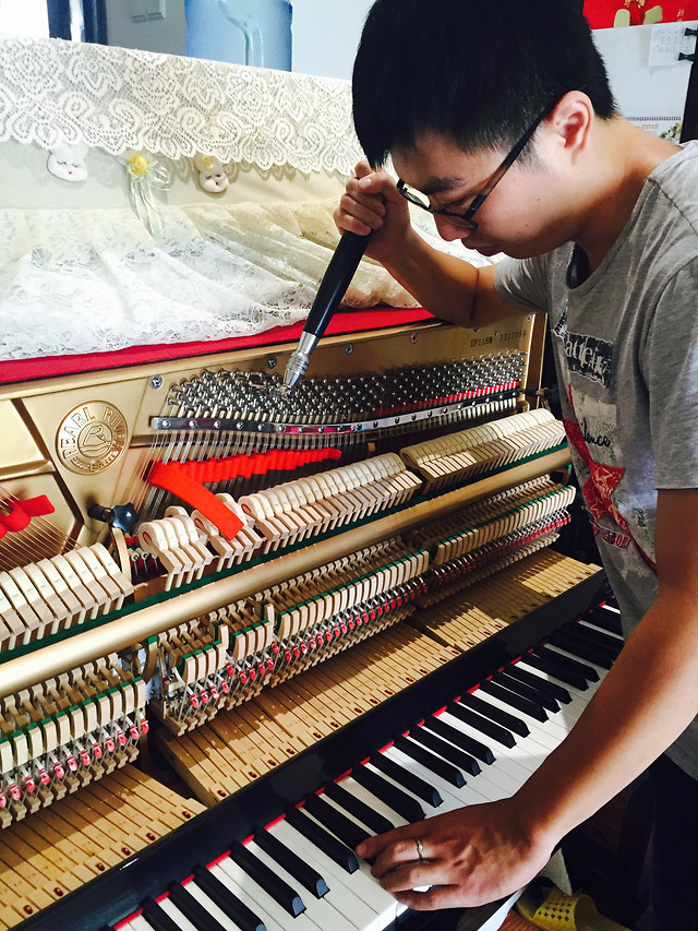 piano-music-instrument-pianist-synthesizer picture material