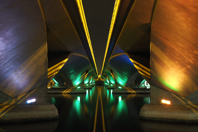 abstract-building-symmetry-night-light picture material