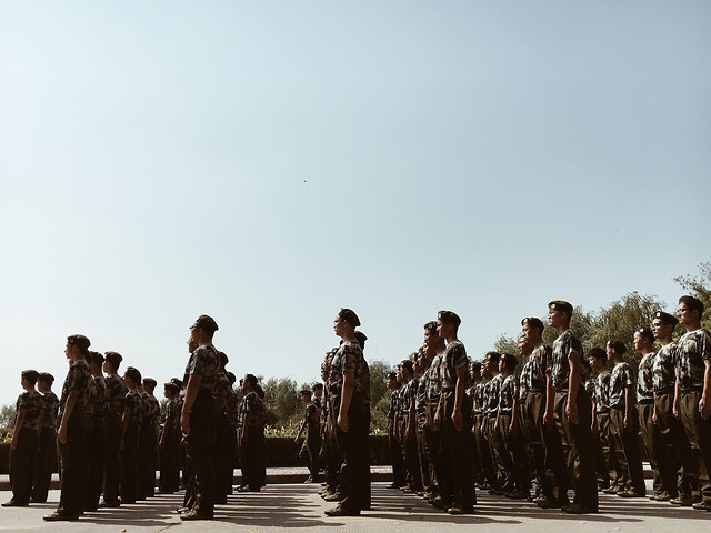 people-group-group-together-many-military 图片素材