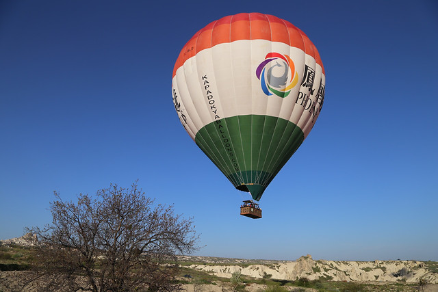 hot-air-ballooning-no-person-sky-travel-balloon picture material