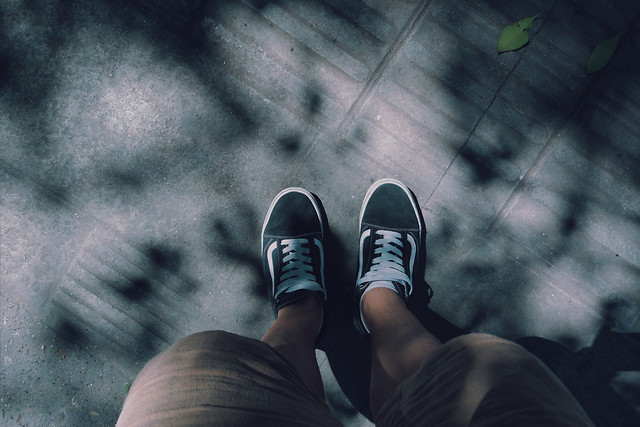 people-wear-black-photograph-foot picture material