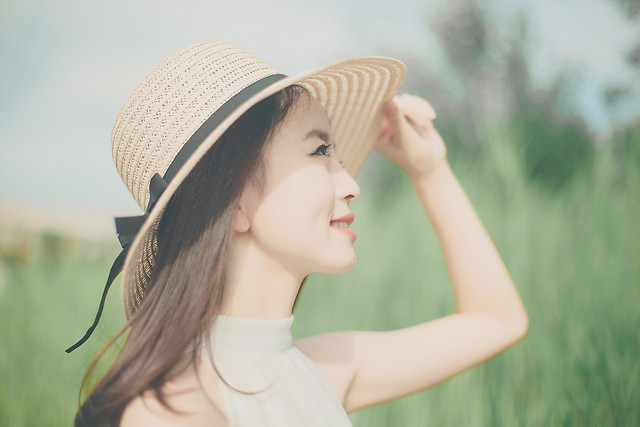 nature-woman-summer-outdoors-fair-weather 图片素材