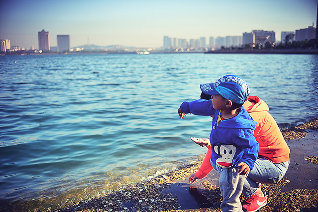 water-travel-child-sea-beach picture material