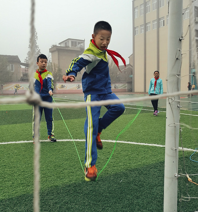 competition-game-soccer-ball-people picture material