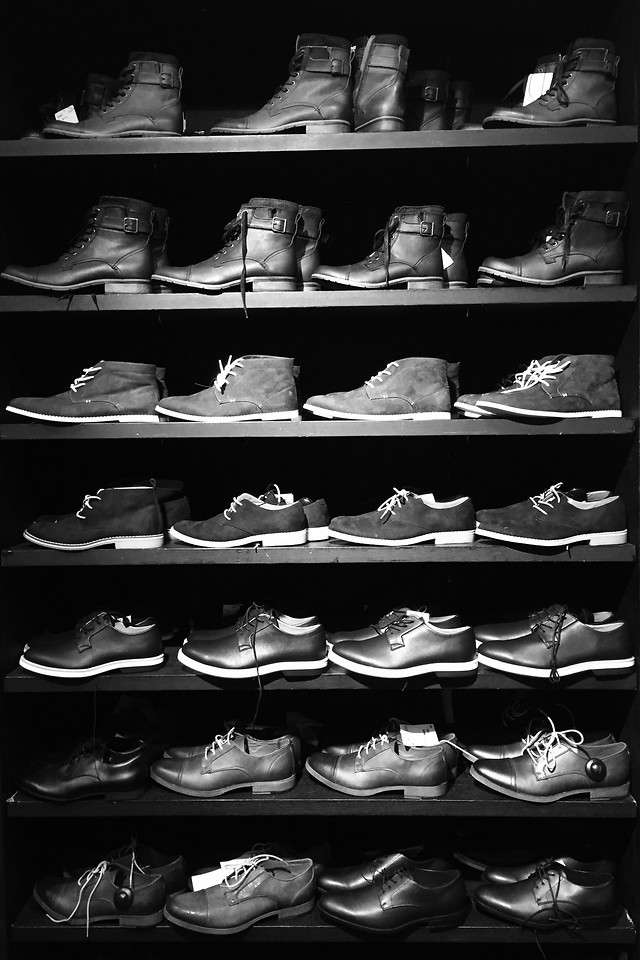 people-group-two-footwear-many picture material