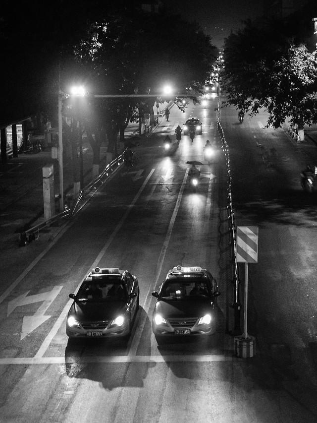 monochrome-street-transportation-system-blur-car picture material