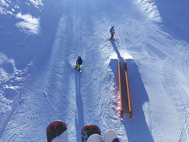 snow-winter-cold-mountain-skier picture material