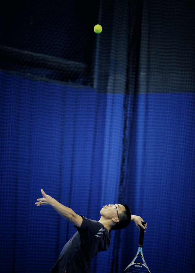 performance-blue-tennis-people-recreation picture material
