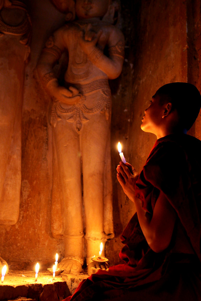 religion-candle-people-buddha-flame picture material