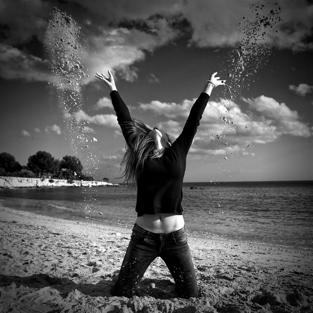 monochrome-sunset-beach-girl-water picture material