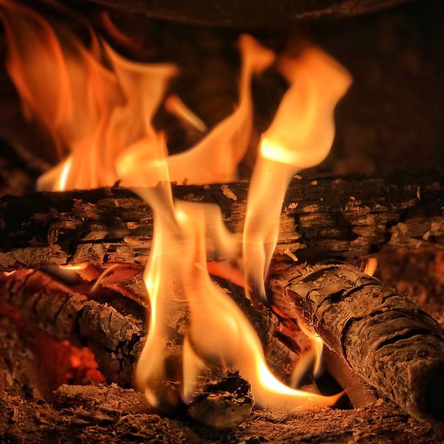 flame-heat-fireplace-hot-firewood 图片素材