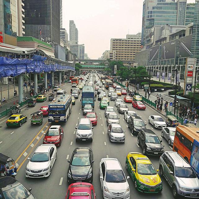 road-traffic-transportation-system-city-car 图片素材