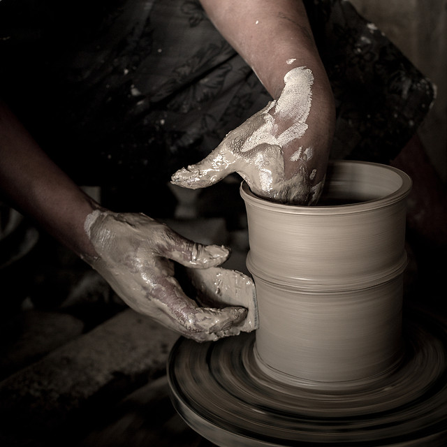 pottery-skill-dirty-clay-bucket picture material