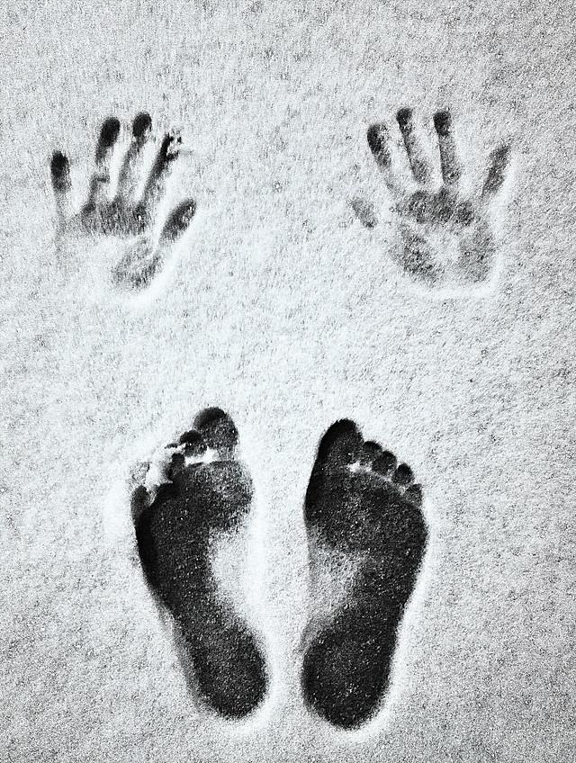 footprint-handprint-foot-people-print picture material