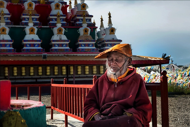 people-religion-temple-travel-prayer picture material