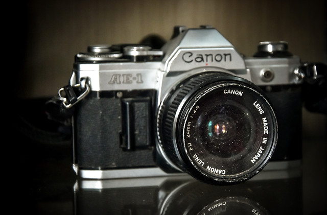 lens-aperture-shutter-viewfinder-analogue picture material