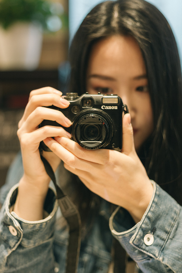 lens-paparazzi-girl-woman-shutter picture material