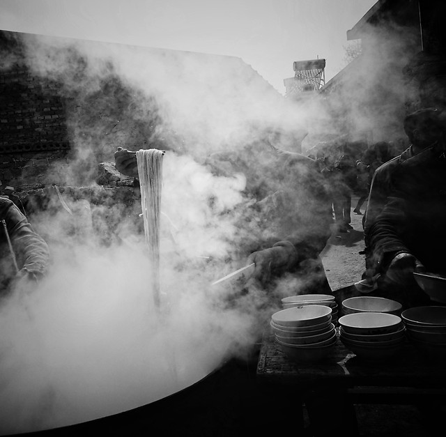 smoke-monochrome-people-flame-steam picture material