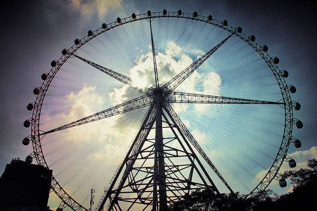 ferris-wheel-wheel-no-person-sky-carousel 图片素材