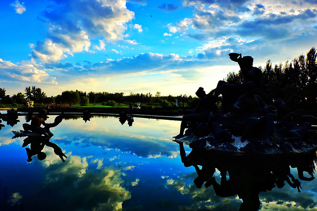 lake-reflection-water-sky-nature 图片素材