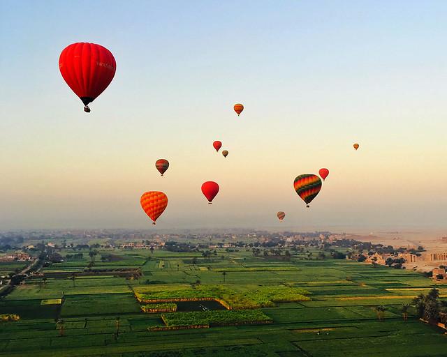balloon-hot-air-balloon-parachute-airship-air picture material
