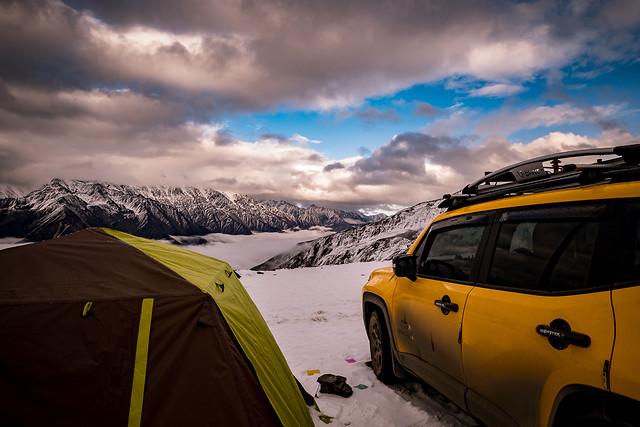 car-landscape-land-vehicle-tent-snow picture material