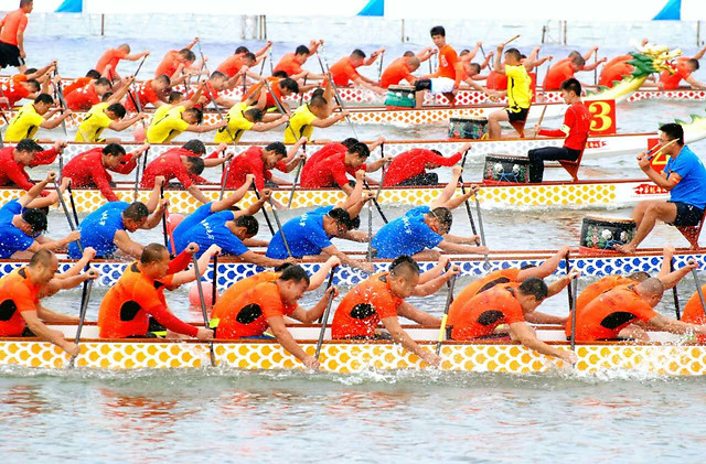 people-fun-water-festival-competition picture material