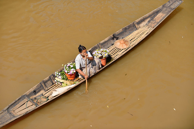 water-people-watercraft-boat-river picture material