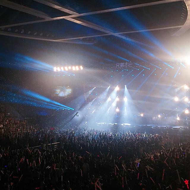 concert-music-light-spotlight-performance picture material